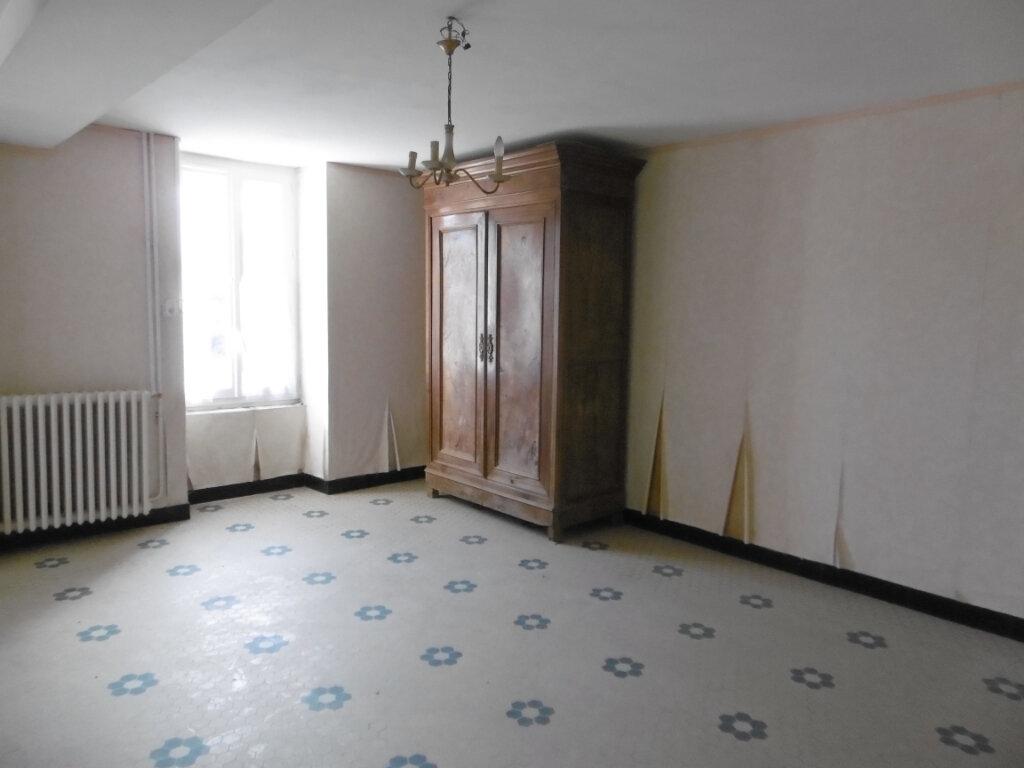 Maison à vendre 4 78m2 à La Chapelle-Saint-Laurent vignette-3