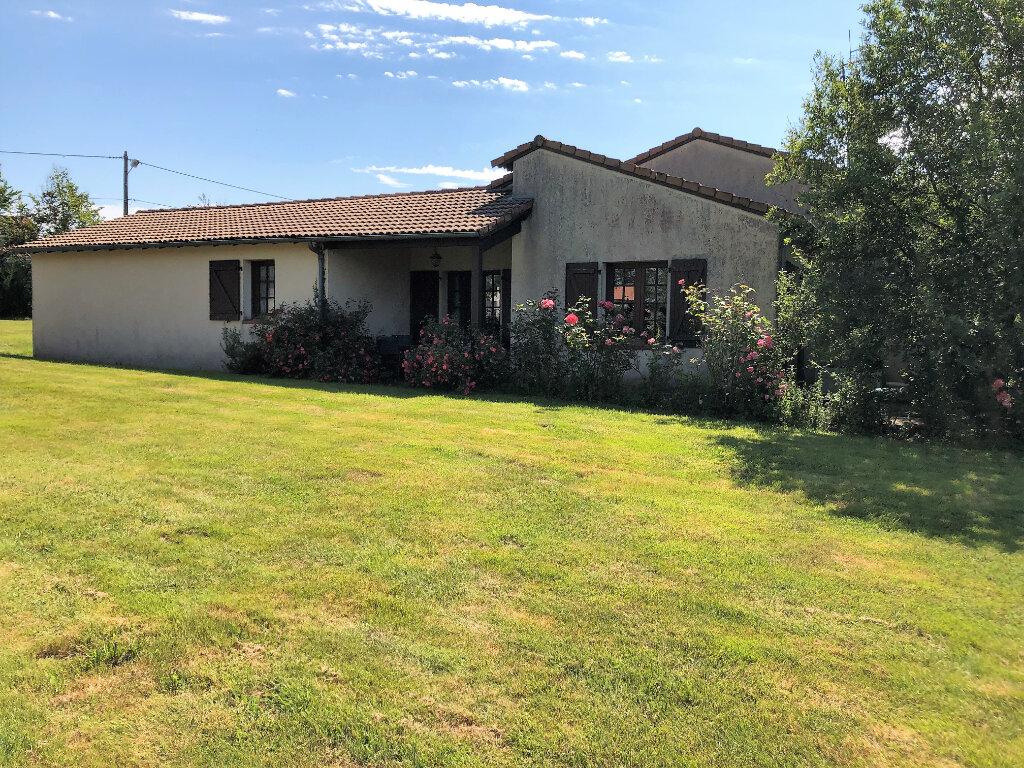 Maison à vendre 5 130m2 à Bressuire vignette-2