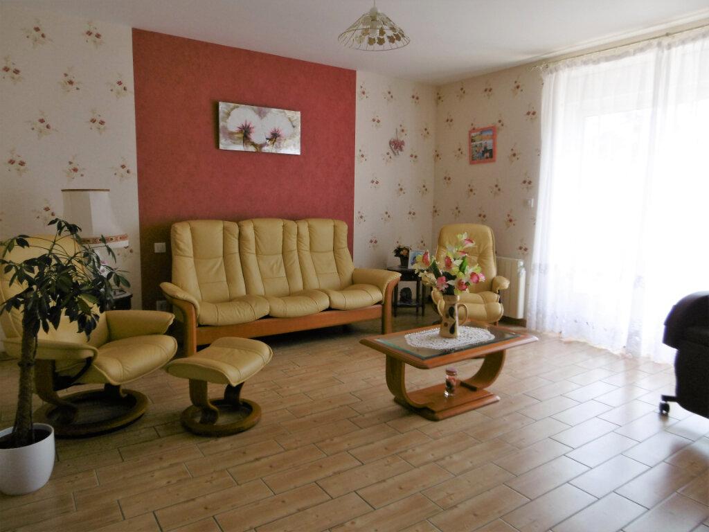 Maison à vendre 5 130m2 à Chiché vignette-7