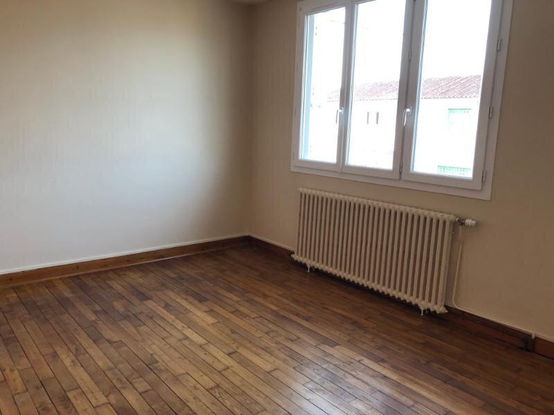 Maison à louer 5 60m2 à Bressuire vignette-5