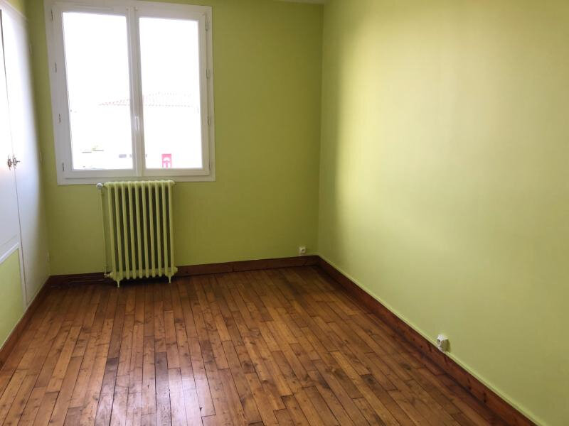 Maison à louer 5 60m2 à Bressuire vignette-6