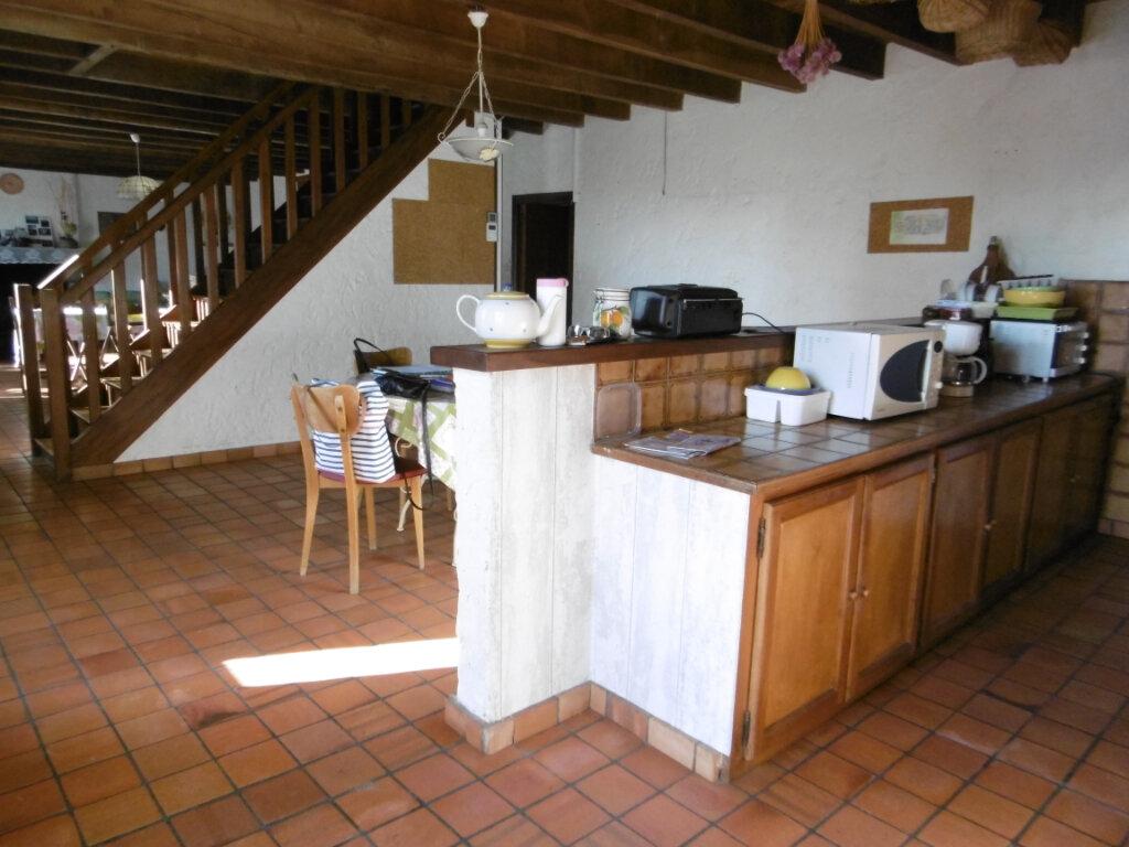 Maison à vendre 7 186m2 à Clessé vignette-4