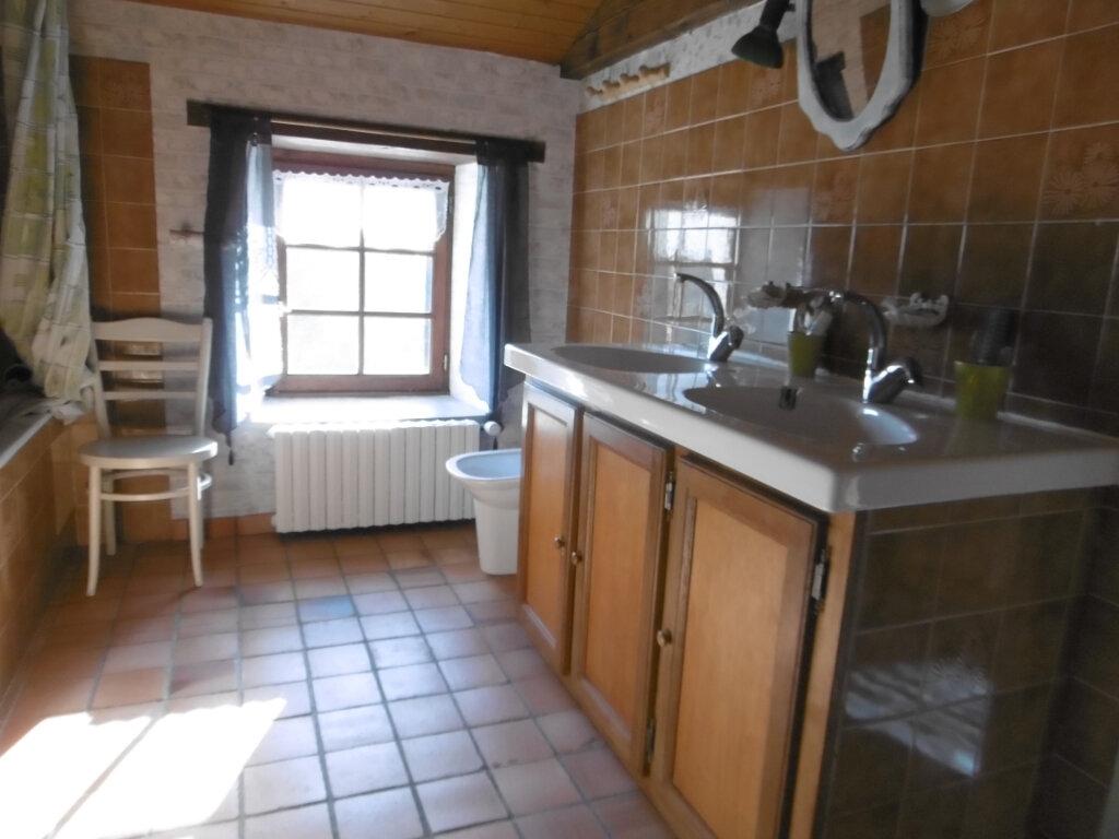 Maison à vendre 7 186m2 à Clessé vignette-5