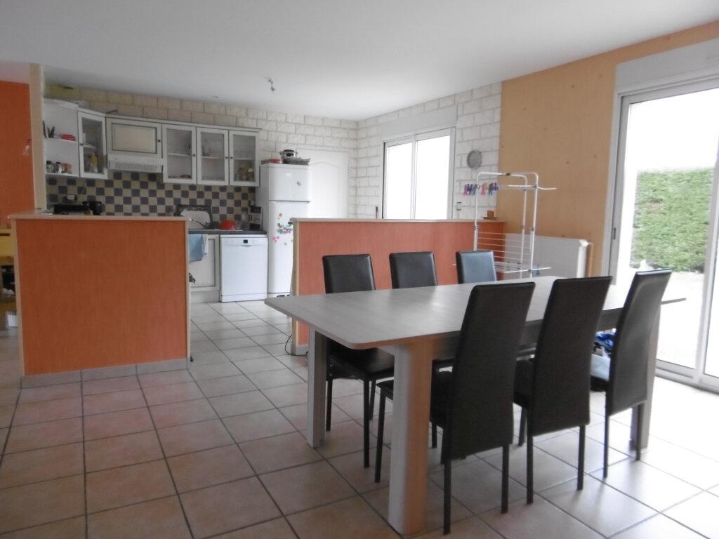 Maison à vendre 4 97m2 à Bressuire vignette-3