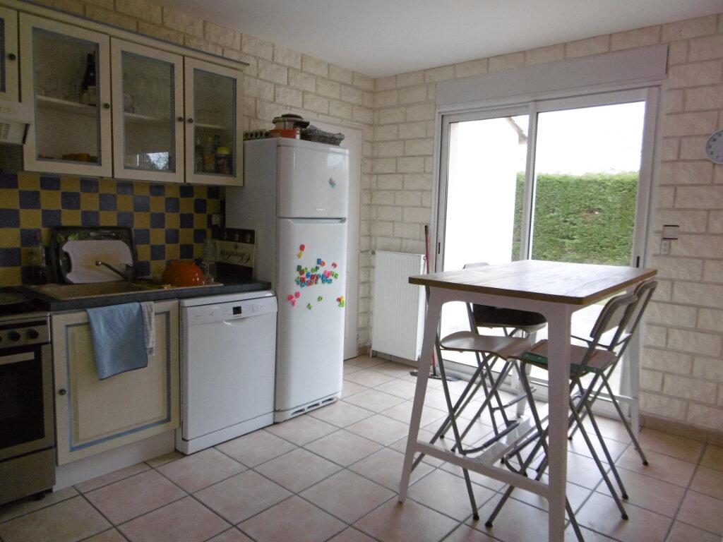 Maison à vendre 4 97m2 à Bressuire vignette-6