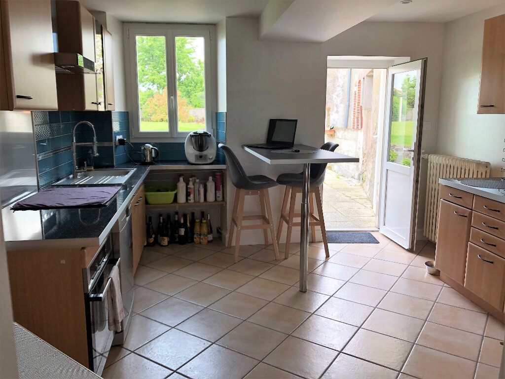 Maison à vendre 9 210m2 à Bressuire vignette-4