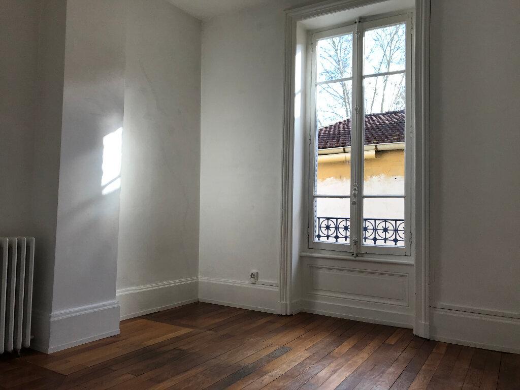 Maison à louer 4 100.6m2 à Caluire-et-Cuire vignette-6