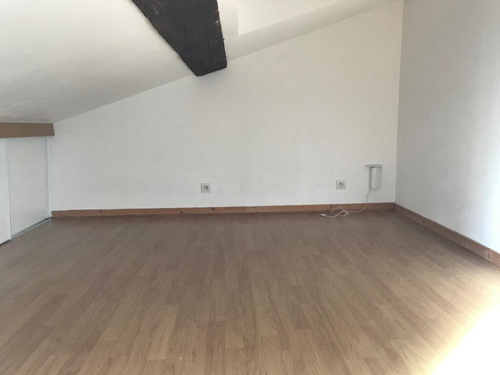 Maison à louer 4 100.6m2 à Caluire-et-Cuire vignette-8