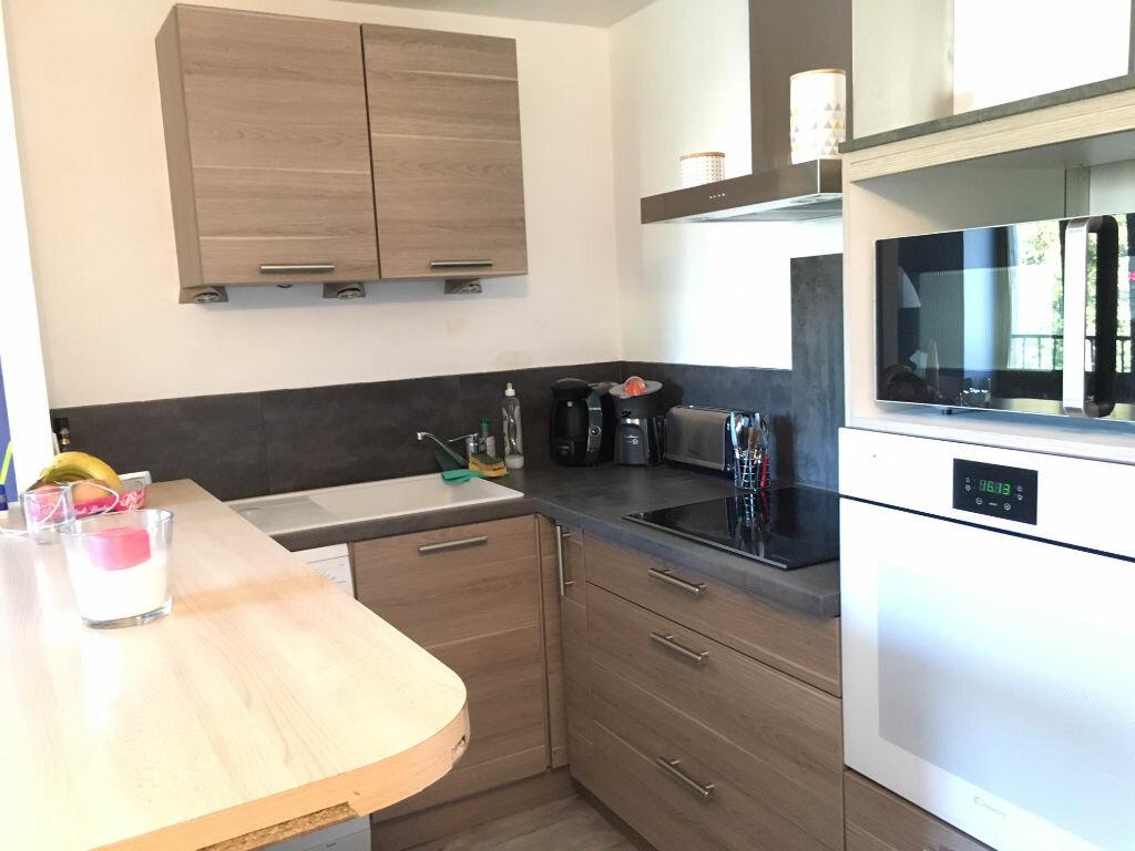 Appartement à louer 2 44.75m2 à Collonges-au-Mont-d'Or vignette-2