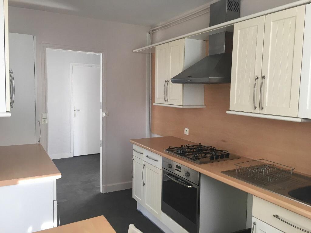 Appartement à louer 3 53.87m2 à Caluire-et-Cuire vignette-1