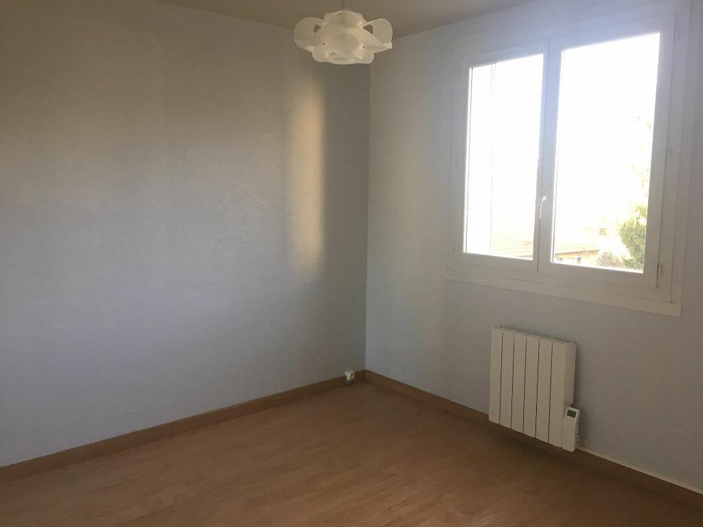 Appartement à louer 3 53.87m2 à Caluire-et-Cuire vignette-2