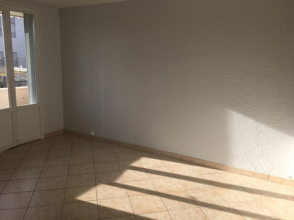 Appartement à louer 3 53.87m2 à Caluire-et-Cuire vignette-3