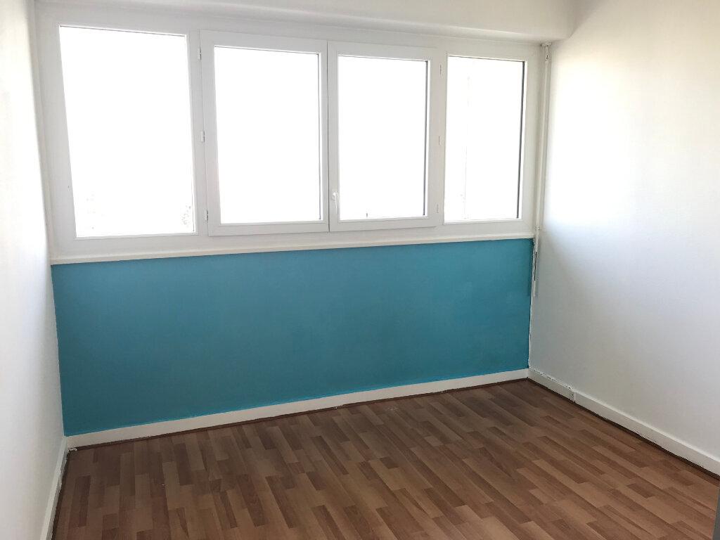 Appartement à louer 4 87.42m2 à Rillieux-la-Pape vignette-4