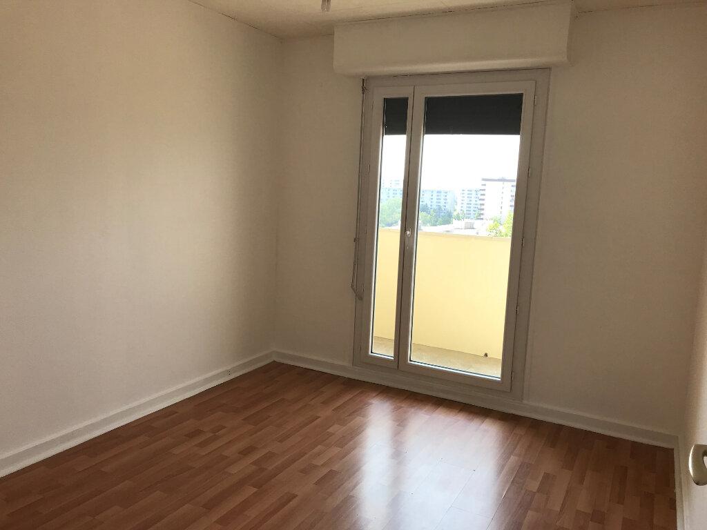 Appartement à louer 4 87.42m2 à Rillieux-la-Pape vignette-6