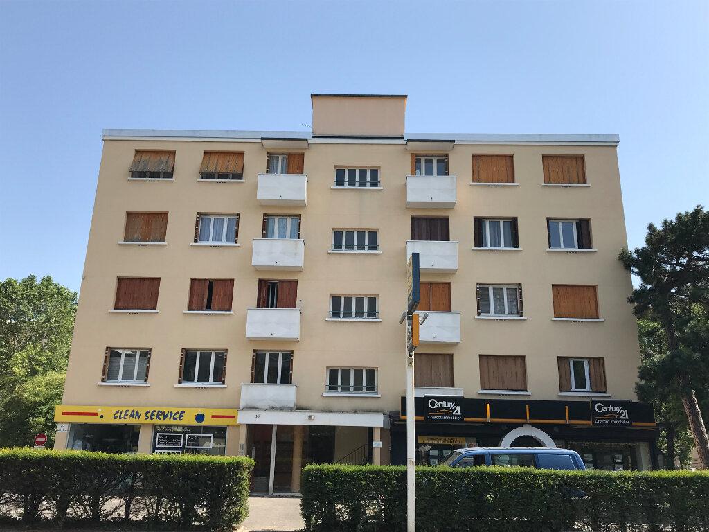 Appartement à louer 1 27.3m2 à Lyon 5 vignette-6