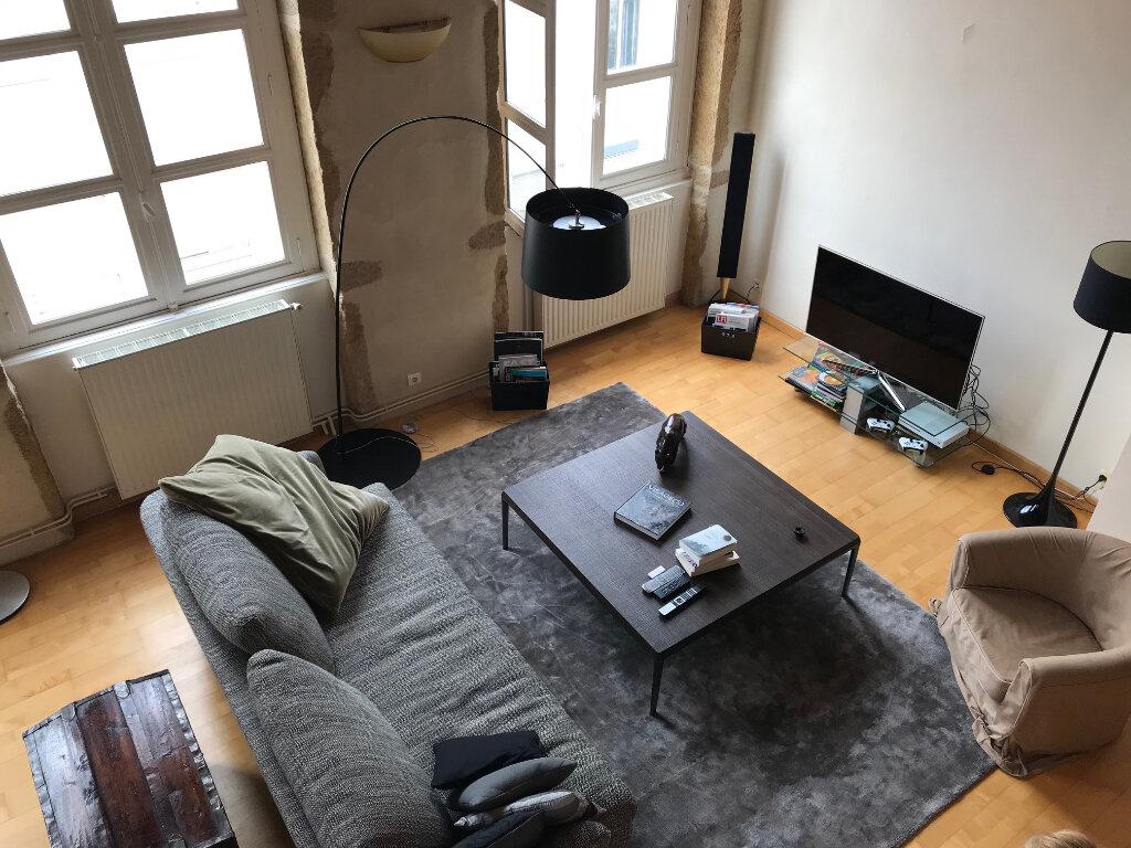 Appartement à louer 3 101.25m2 à Lyon 4 vignette-2