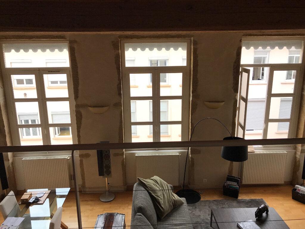 Appartement à louer 3 101.25m2 à Lyon 4 vignette-6