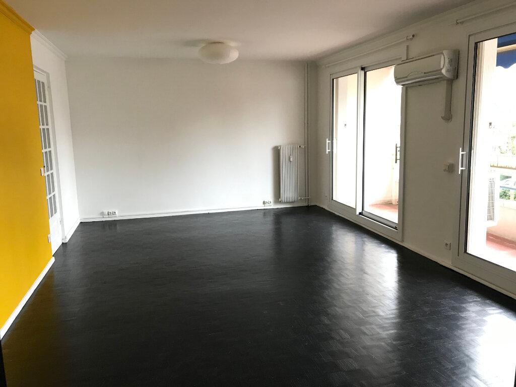 Appartement à louer 4 90.01m2 à Caluire-et-Cuire vignette-2