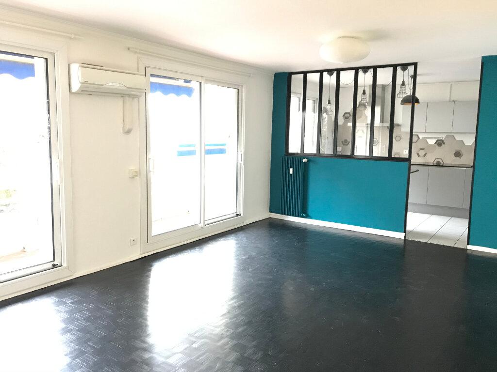 Appartement à louer 4 90.01m2 à Caluire-et-Cuire vignette-3