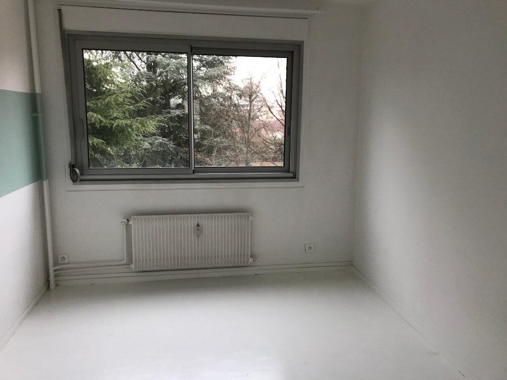 Appartement à louer 4 90.01m2 à Caluire-et-Cuire vignette-4