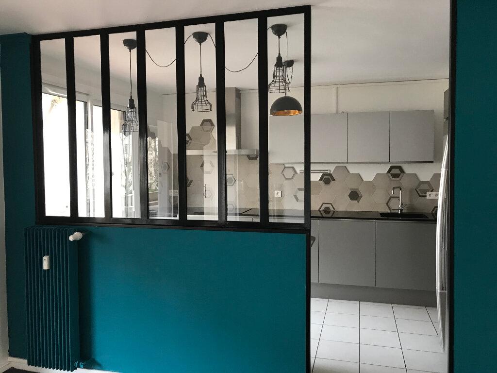 Appartement à louer 4 90.01m2 à Caluire-et-Cuire vignette-6