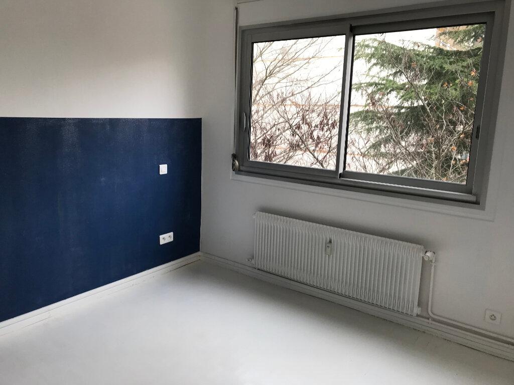 Appartement à louer 4 90.01m2 à Caluire-et-Cuire vignette-7