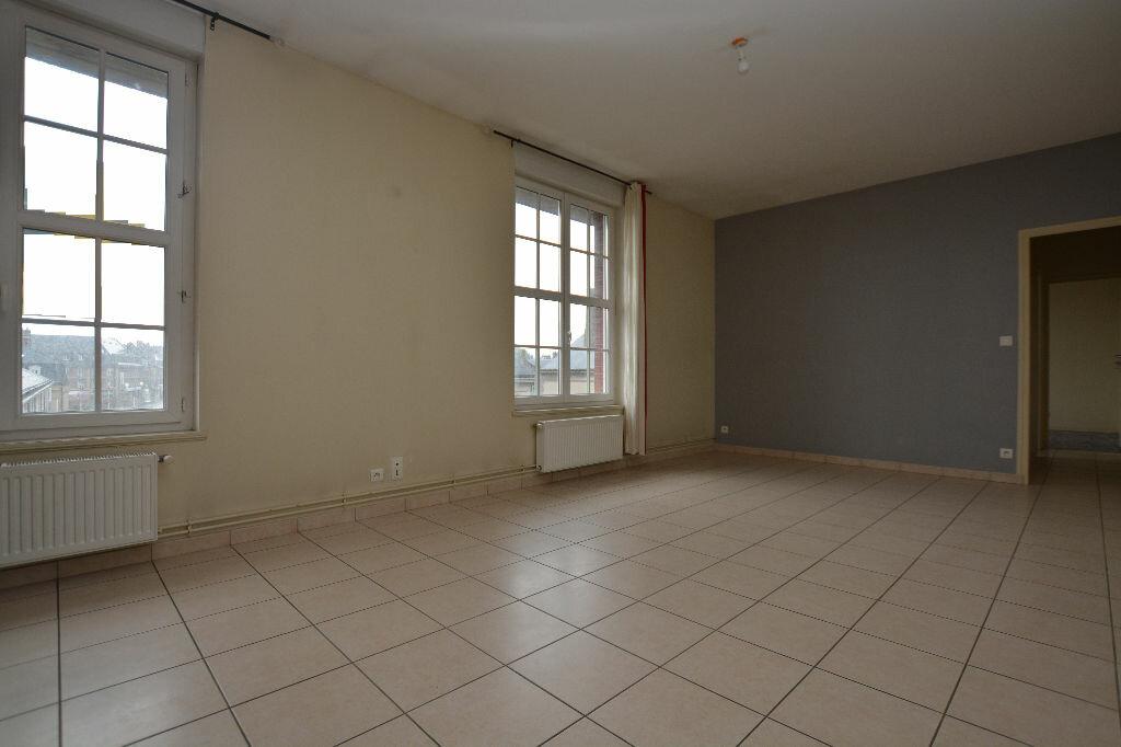 Appartement à louer 3 66.57m2 à Abbeville vignette-4