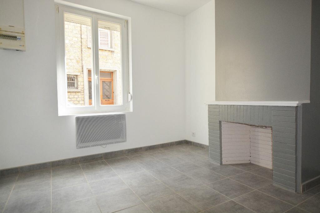 Appartement à louer 1 18m2 à Abbeville vignette-1