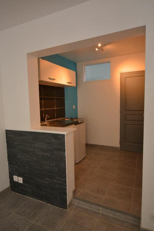 Appartement à louer 1 18m2 à Abbeville vignette-2
