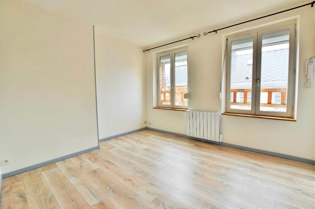 Appartement à louer 1 16.72m2 à Abbeville vignette-1
