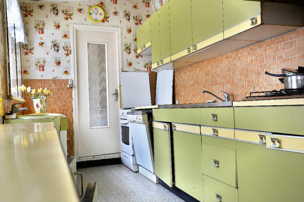 Maison à vendre 7 234m2 à Domart-en-Ponthieu vignette-3