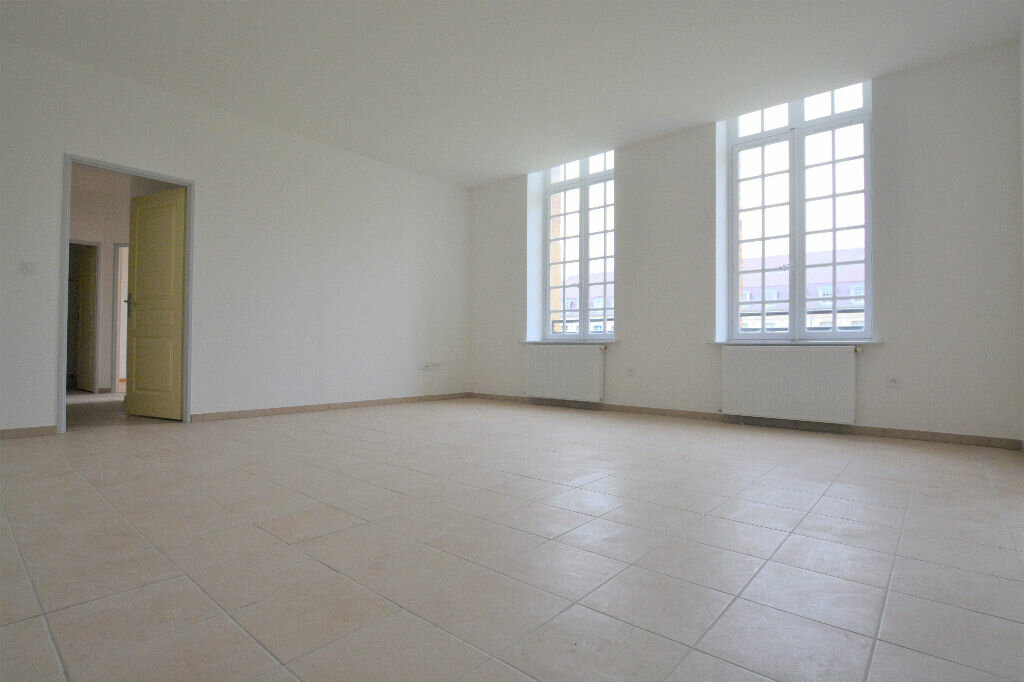 Appartement à louer 3 69.15m2 à Abbeville vignette-1