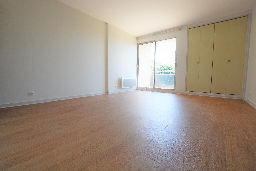 Appartement à louer 1 27.54m2 à Abbeville vignette-1