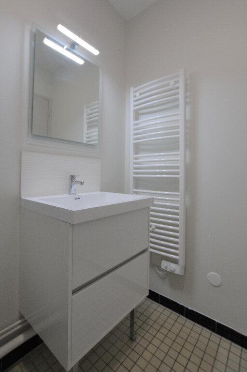 Appartement à louer 1 27.54m2 à Abbeville vignette-3