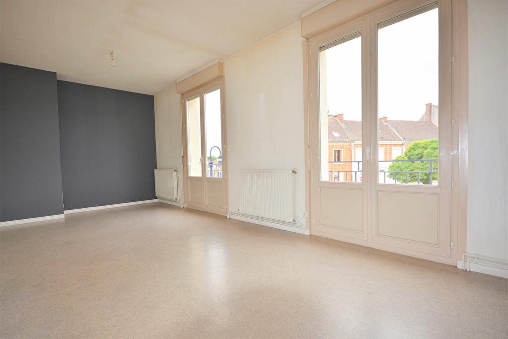 Appartement à louer 4 69.16m2 à Condé-Folie vignette-1