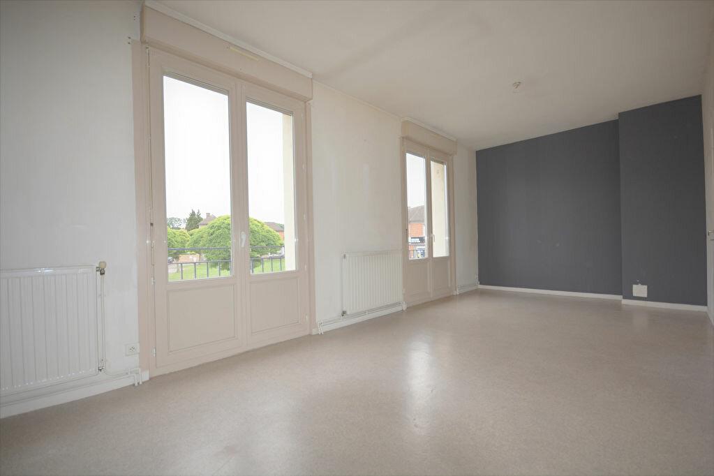 Appartement à louer 4 69.16m2 à Condé-Folie vignette-2