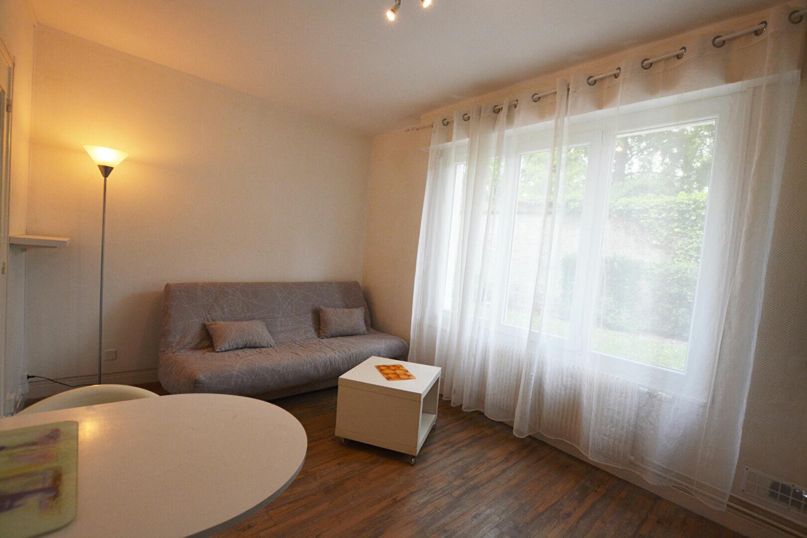 Appartement à louer 1 18.96m2 à Abbeville vignette-1