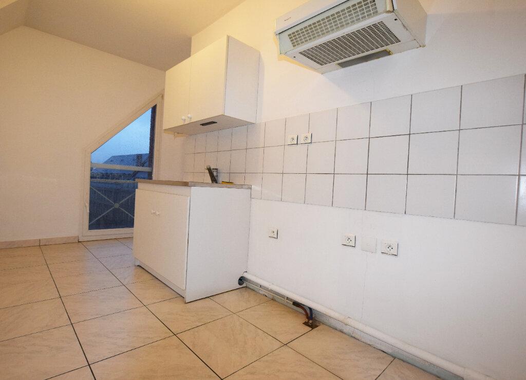 Appartement à louer 3 71.25m2 à Abbeville vignette-2