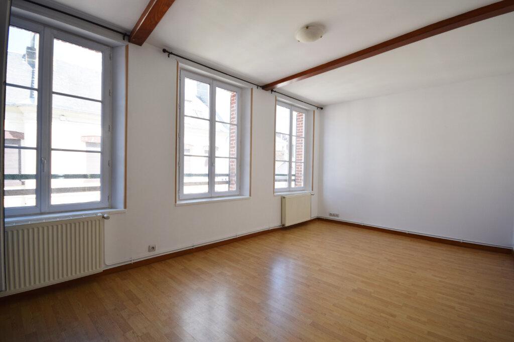 Appartement à louer 4 85.31m2 à Abbeville vignette-2