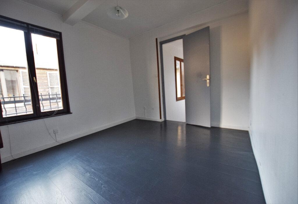 Appartement à louer 3 47.69m2 à Abbeville vignette-1