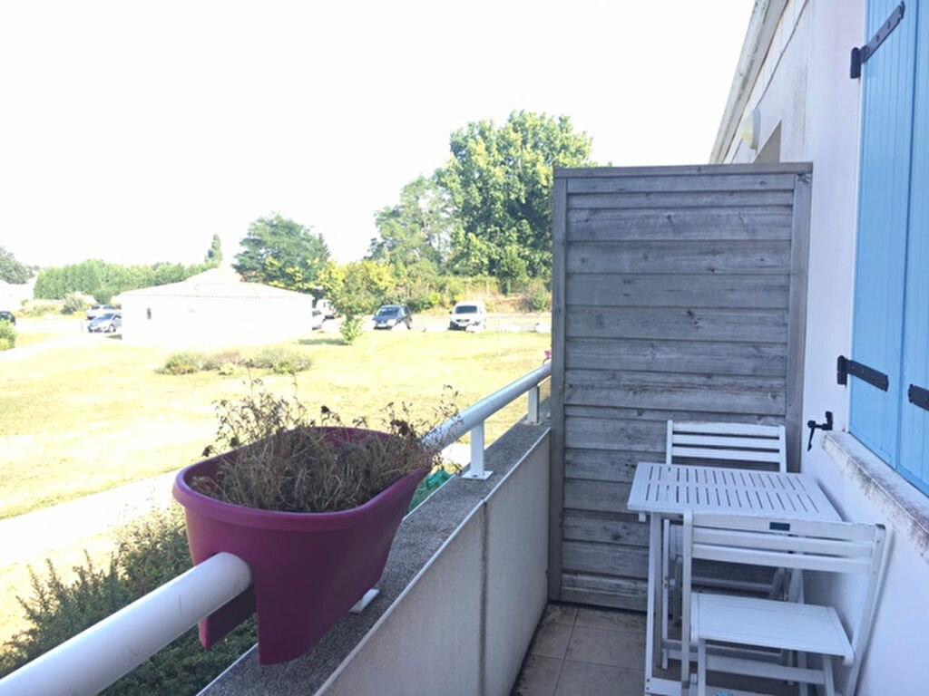 Appartement à louer 2 65.41m2 à Tonnay-Charente vignette-3