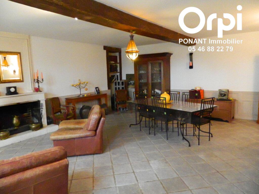Maison à vendre 5 239m2 à Tonnay-Charente vignette-1