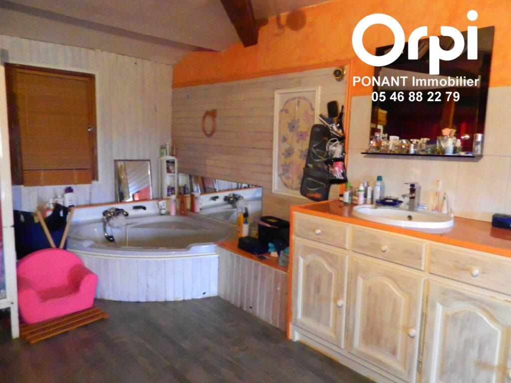 Maison à vendre 5 239m2 à Tonnay-Charente vignette-4