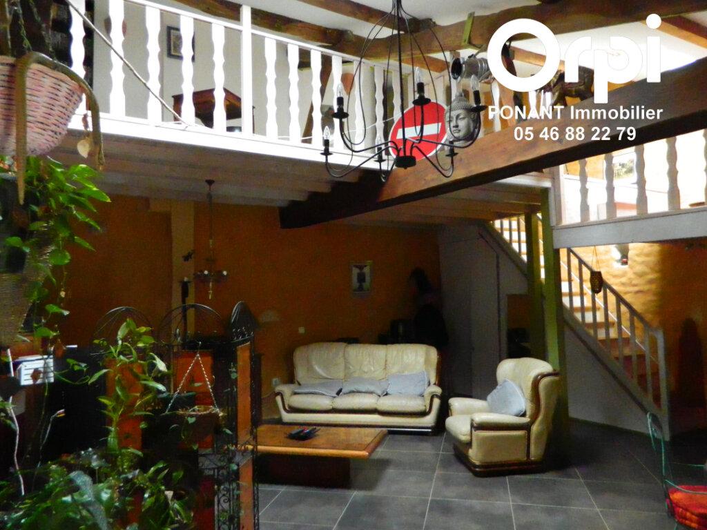 Maison à vendre 5 239m2 à Tonnay-Charente vignette-7