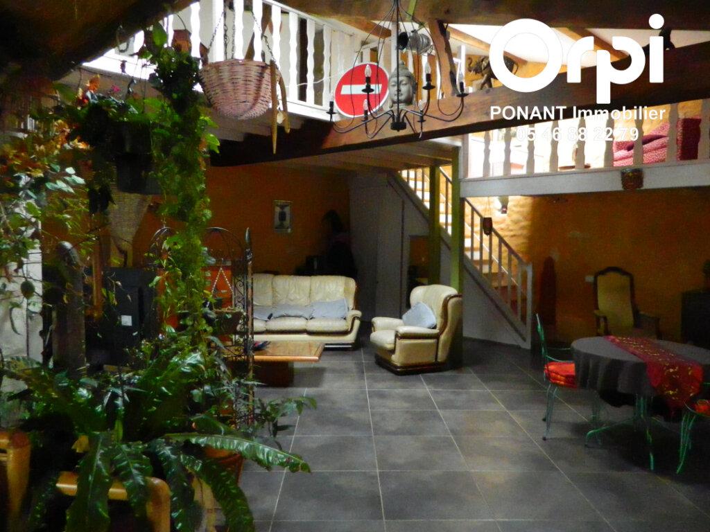 Maison à vendre 5 239m2 à Tonnay-Charente vignette-8