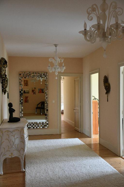 Appartement à vendre 4 298m2 à Rochefort vignette-4