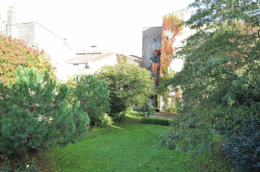 Appartement à vendre 4 298m2 à Rochefort vignette-11