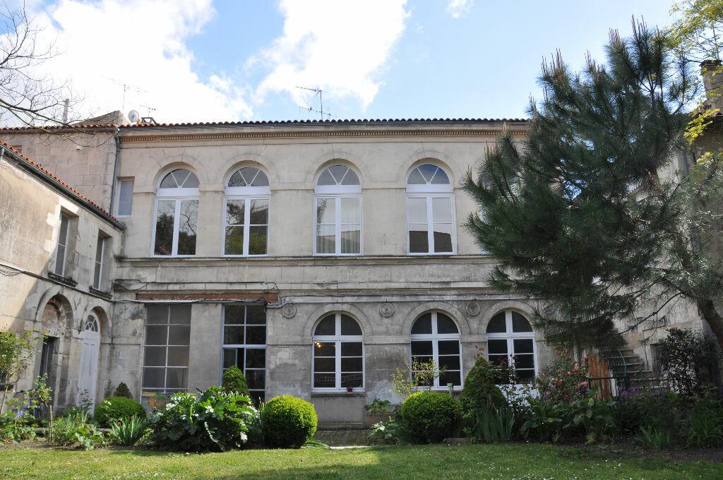 Appartement à vendre 4 298m2 à Rochefort vignette-12