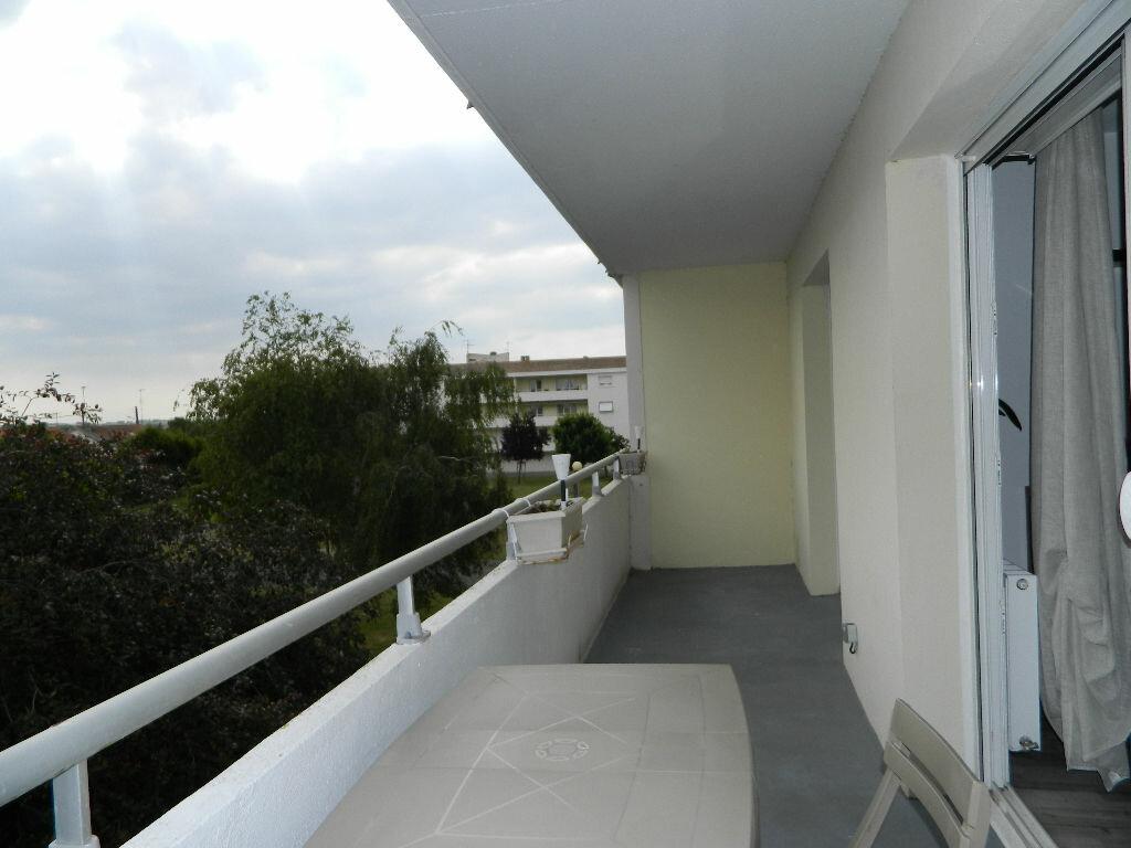 Appartement à vendre 4 89.34m2 à Rochefort vignette-3