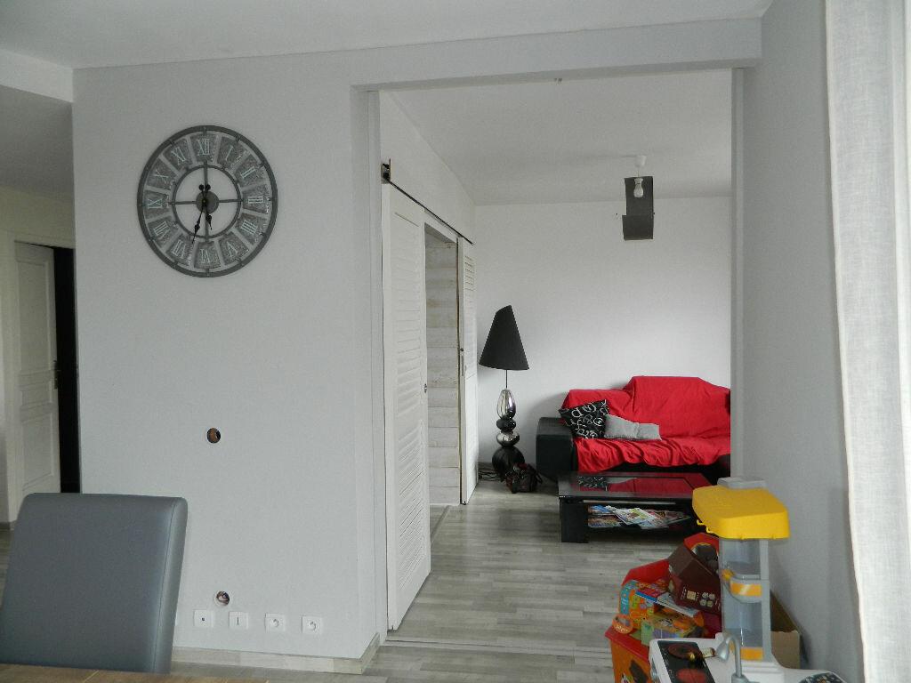 Appartement à vendre 4 89.34m2 à Rochefort vignette-6